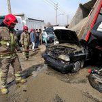 برخورد یک دستگاه کامیون با چند دستگاه خودرو سواری منجر به آتش سوزی خودرو پراید و مصدوم شدن سه نفر گردید.
